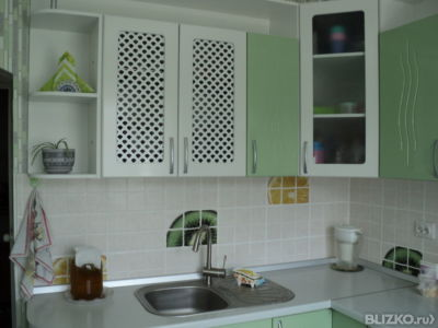 Кухню на заказ зелёного цвета